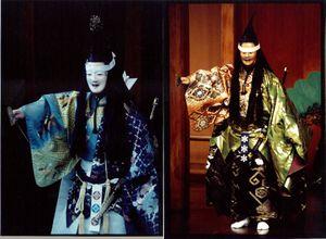 【能楽1日入門】左の写真:忠度(平家)。右の写真:八島(源氏)