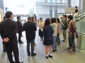 鶴見大学図書館2014年度第2回選書ツアー:早く選書に行きたいだろうが、よっく聞きたまえ(選書の説明)