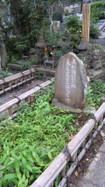 長尾氏の供養塔(上杉謙信公の祖先)